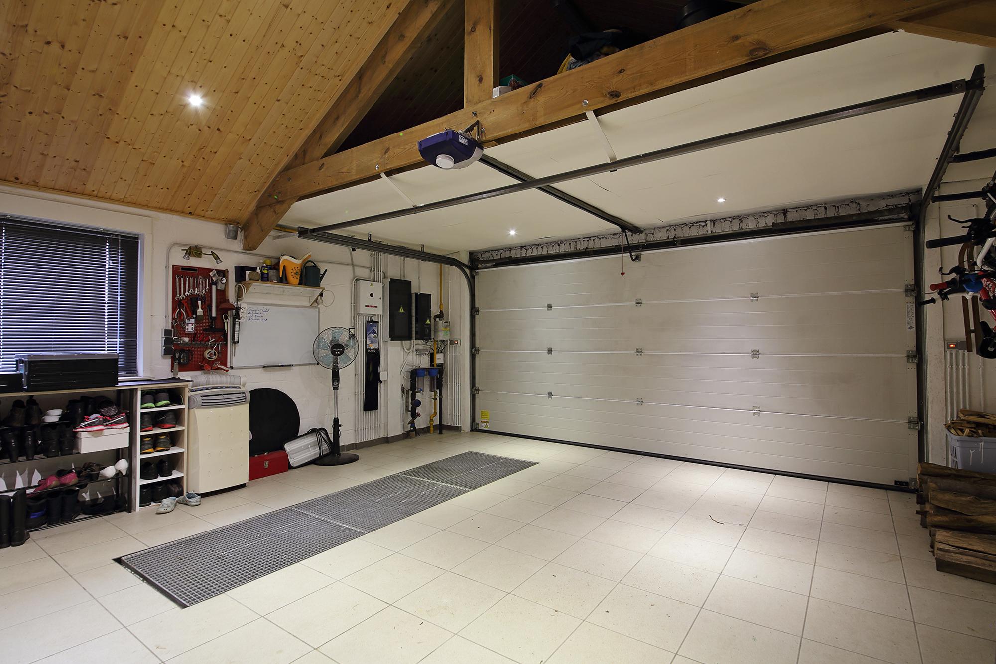 катом яркие прикольный ремонт гаража фото могут воспринимать это